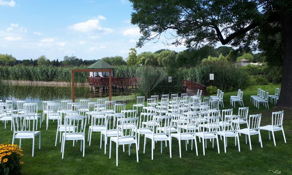 Krzesła NAPOLEON WHITE EVENTMEBLE wynajem mebli eventowych